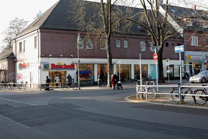 Edeka - Zeltinger Platz