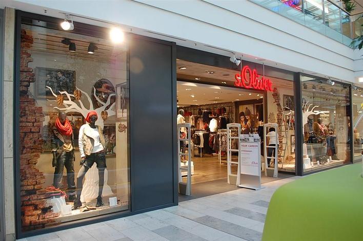 s.Oliver Store - Spandau Arcaden