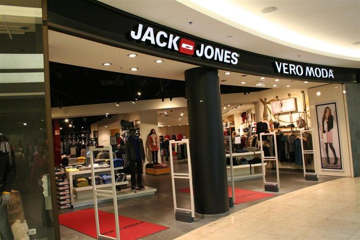 jack jones wilmersdorfer arcaden bekleidung in berlin charlottenburg kauperts. Black Bedroom Furniture Sets. Home Design Ideas