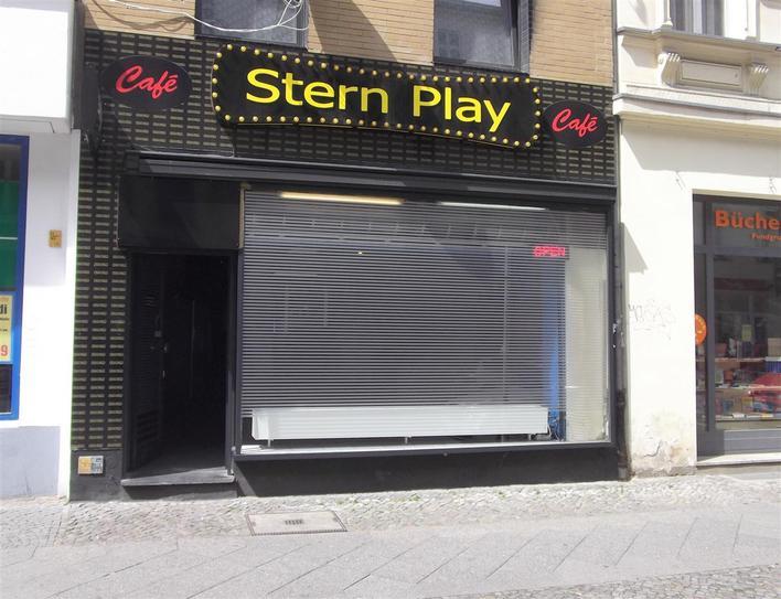 Stern Play Café