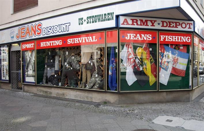 army shop berlin bekleidung in berlin charlottenburg kauperts. Black Bedroom Furniture Sets. Home Design Ideas