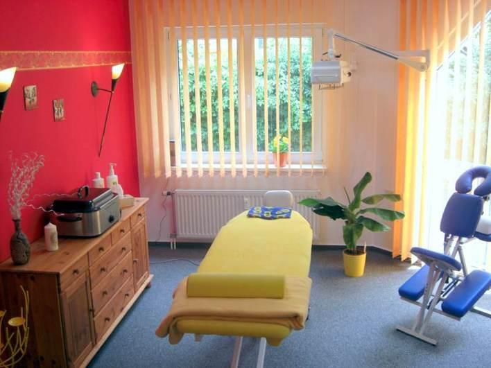 Behandlungsraum Physiotherapie Sonnenschein