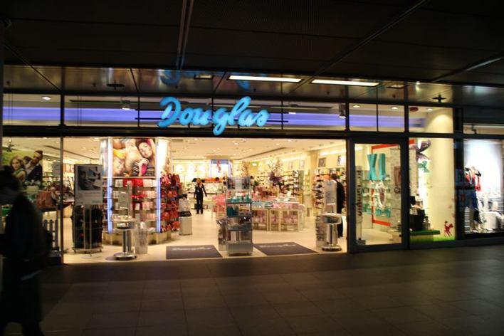 Parfümerie Douglas - Europaplatz